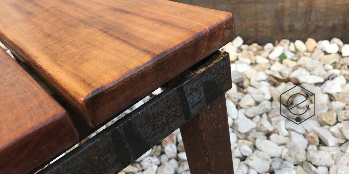 cantilevered-bench-11